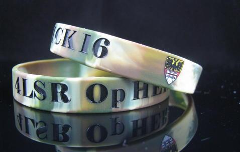 Bracelet en Sillicone personnalisé largeur standard (12mm wide) image